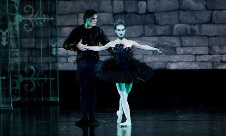 black-swan-2010-007